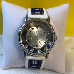 NWOT Snowflake Watch
